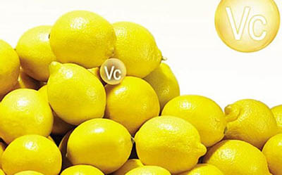 过量补充维生素c会引起白癜风